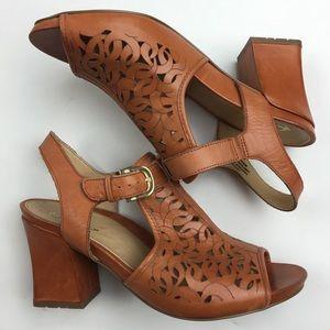 Earthies Acadia lasercut comfort sandals Sz 8.5